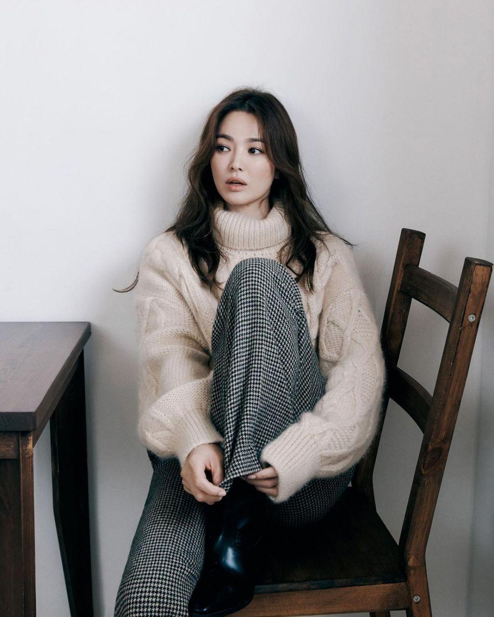 Lama Gak Muncul, Ini 10 Photoshoot Terbaru Song Hye Kyo, Manis Abis!