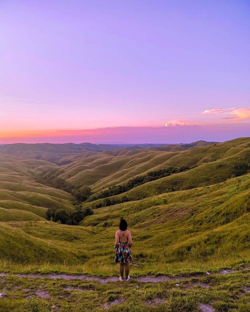 10 Wisata Bukit di Indonesia Tengah dan Timur, Indahnya Bikin Terpana
