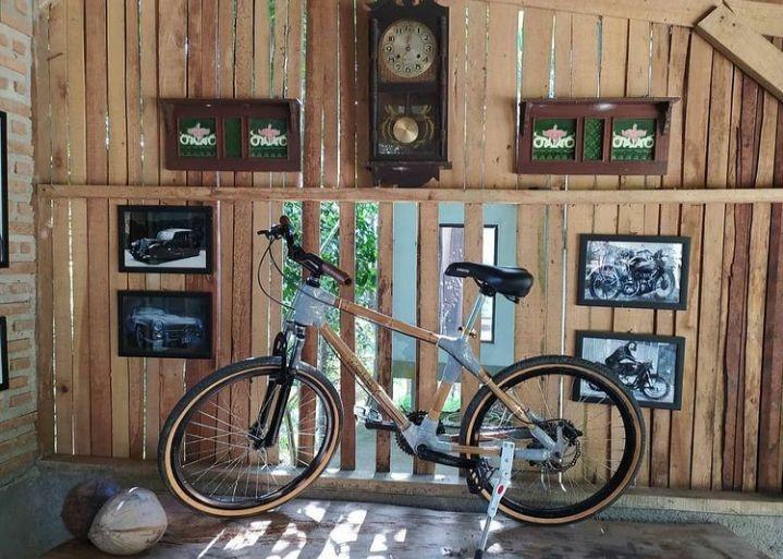 Berinovasi di Tengah Pandemik, Siswanto Bikin Sepeda dari Bambu