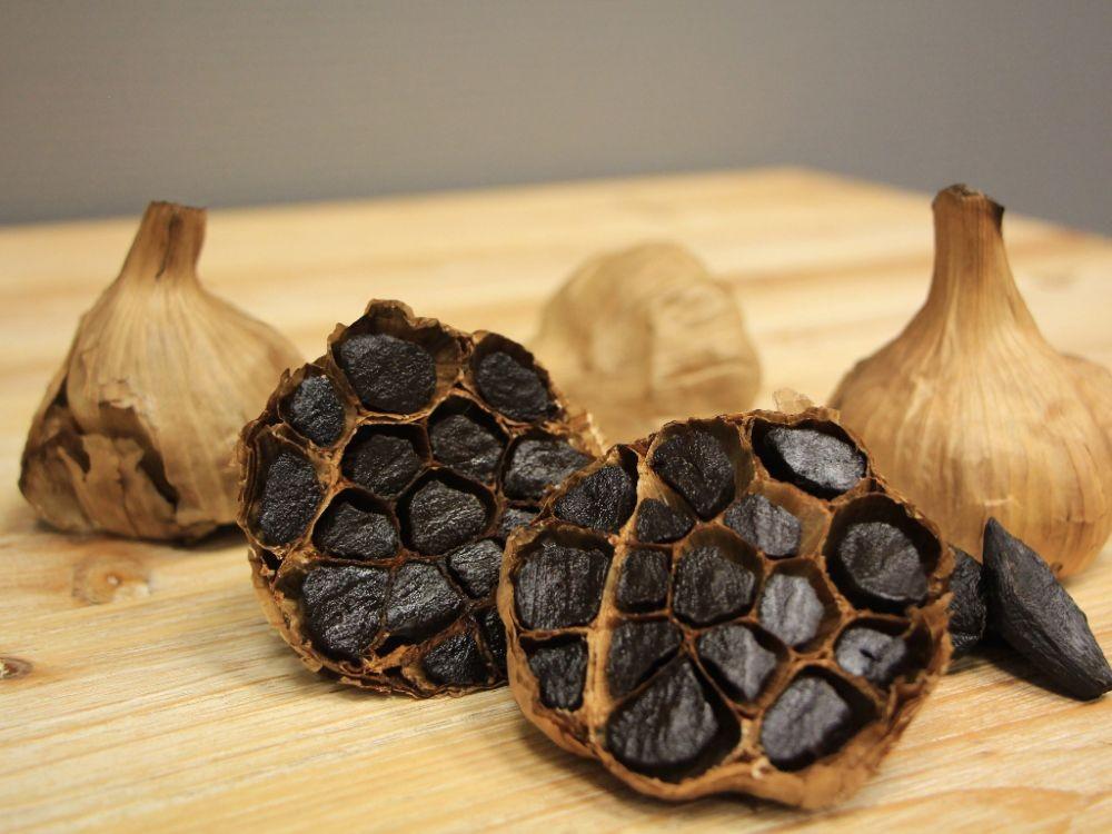 Tak Sekadar Bawang Putih, Ini 15 Manfaat Black Garlic untuk Kesehatan