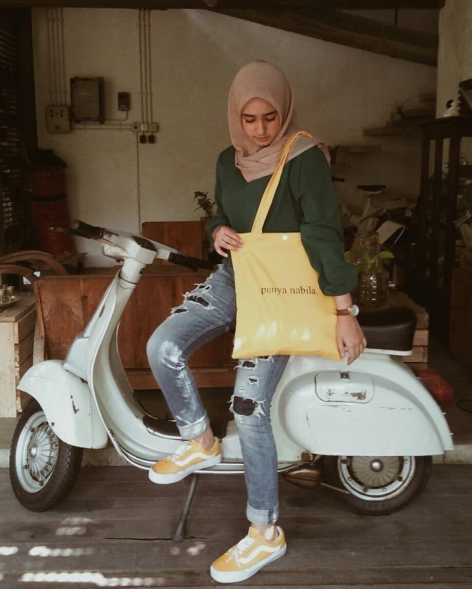 9 Gaya OOTD ala Nabilah Vadaq, Peserta Indonesian Idol yang Kece Abis!