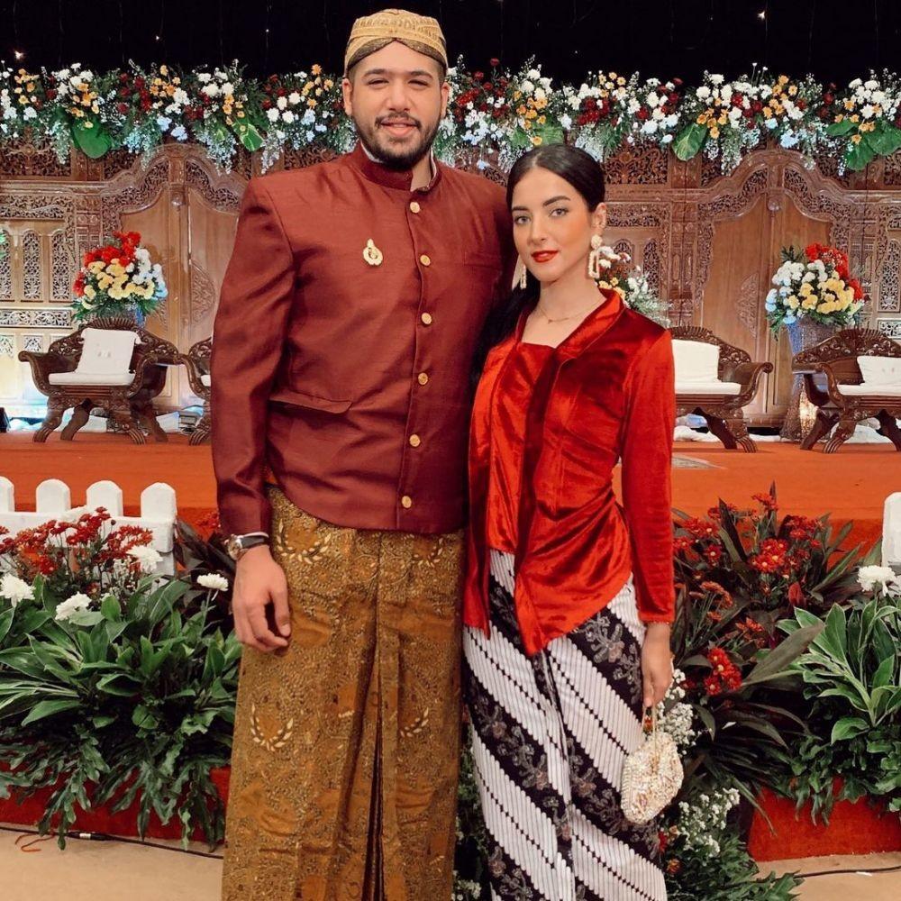 10 OOTD Couple Tasya Farasya & Ahmad Assegaf, Romantis!