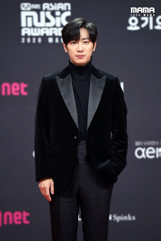 Song Joong Ki - Park Seo Joon, 22 Potret Artis KDrama di MAMA 2020