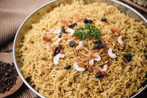 Resep Nasi Kebuli Magicom yang Simpel, Aromanya Kaya Rempah