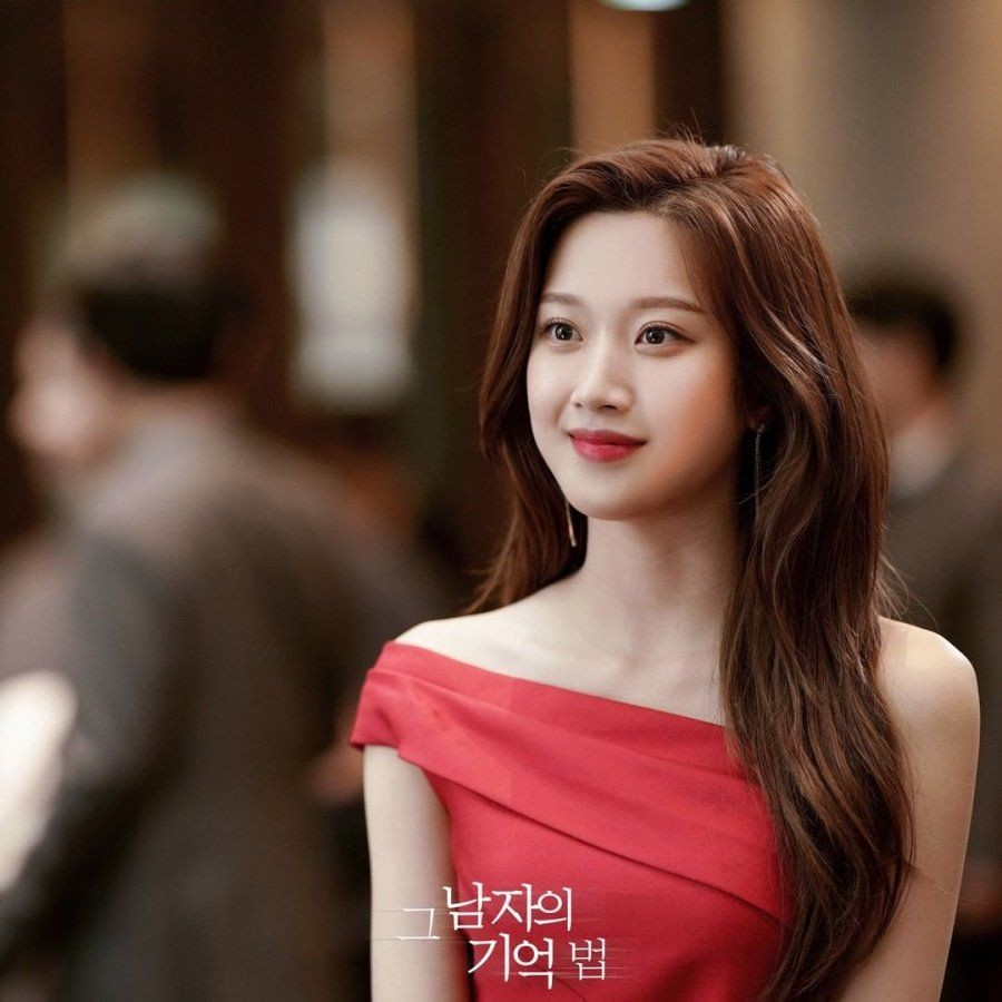 Tampil Beda di True Beauty, Ini 5 Drama Korea Terbaik Moon Ga Young