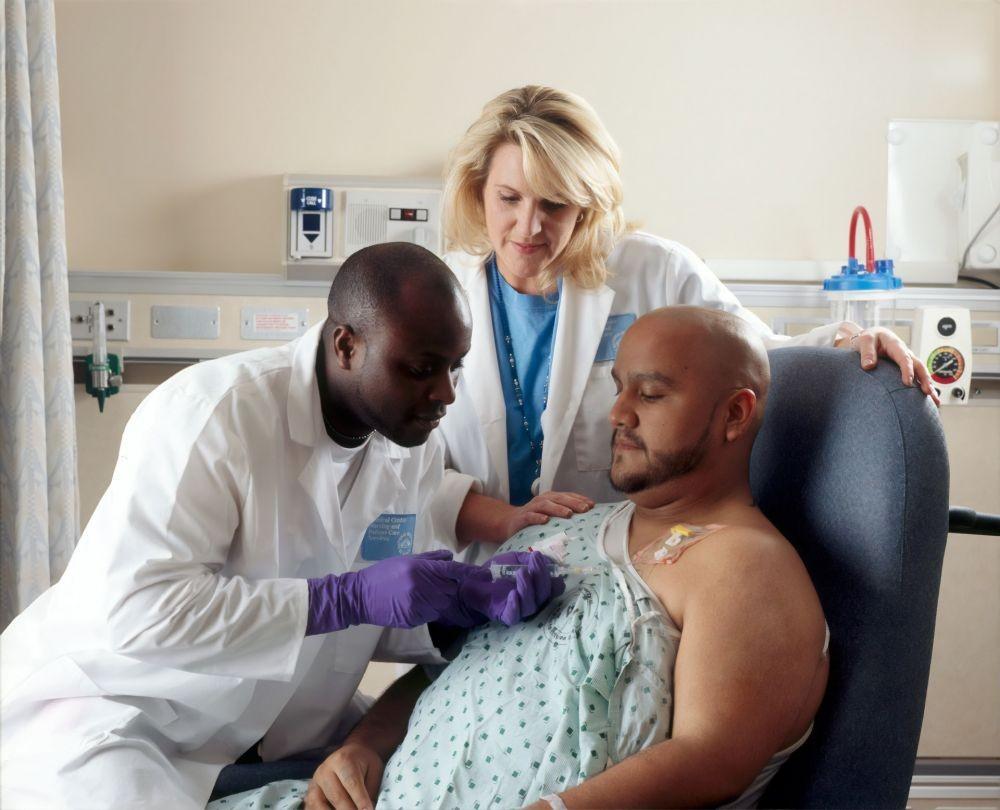 Kanker Paru: Jenis, Gejala, Penyebab, dan Perawatannya