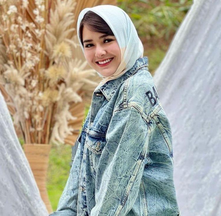 Bikin Terpesona, 10 Gaya Pemotretan Amanda Manopo Pakai Hijab