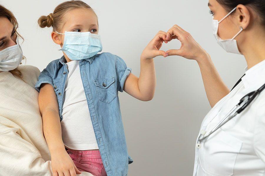 Vaksinasi COVID-19 Bisa Lindungi Anak? Ini Faktanya!