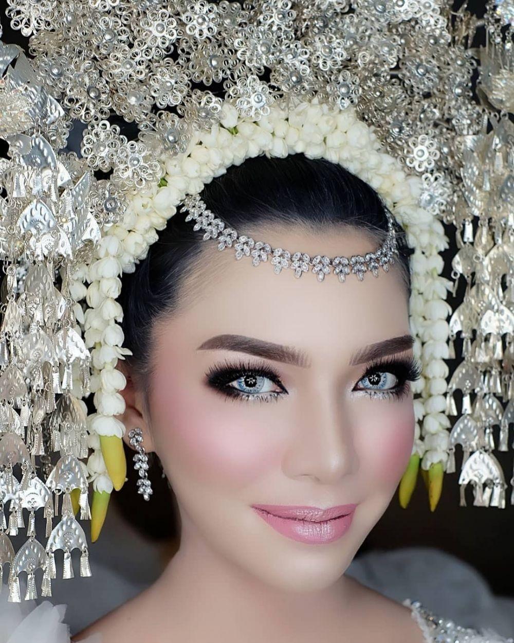 10 Ide Wedding Makeup ala Pengantin Minang, Bikin Pangling!