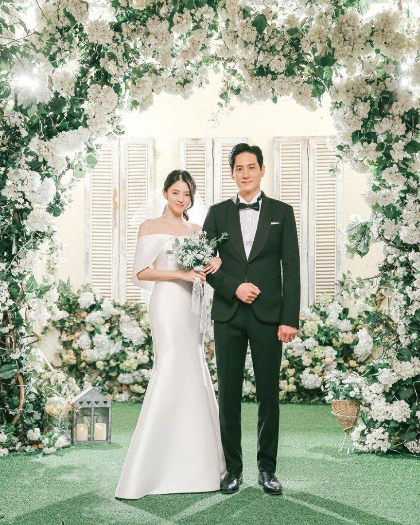 10 Inspirasi Wedding Style ala Pengantin Drama Korea, Super Cute!