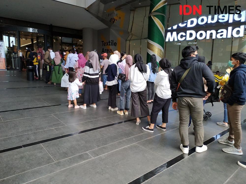 Pembeli Berkerumun di Pasar Baru Bandung, Disdagin: Kami Kecolongan