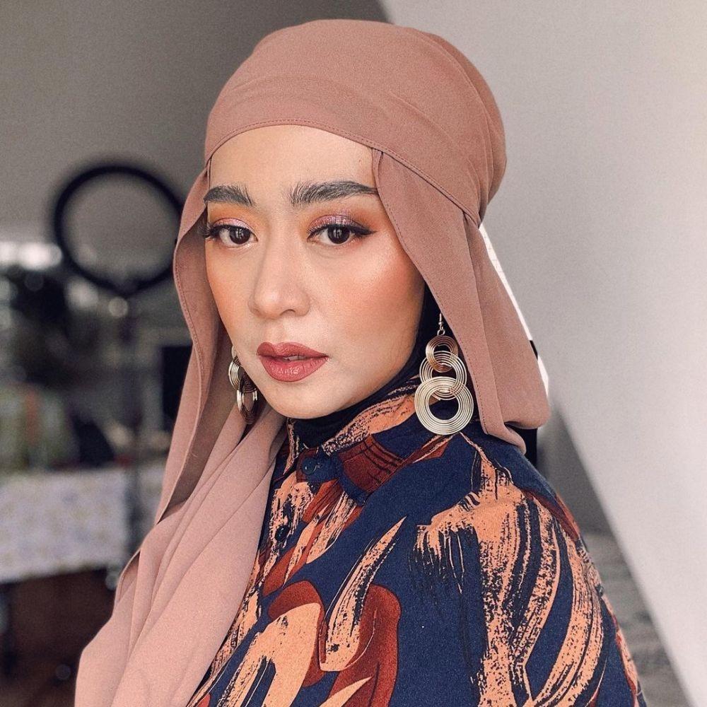10 Inspirasi Makeup buat Lebaran, Flawless buat Silaturahmi Virtual!