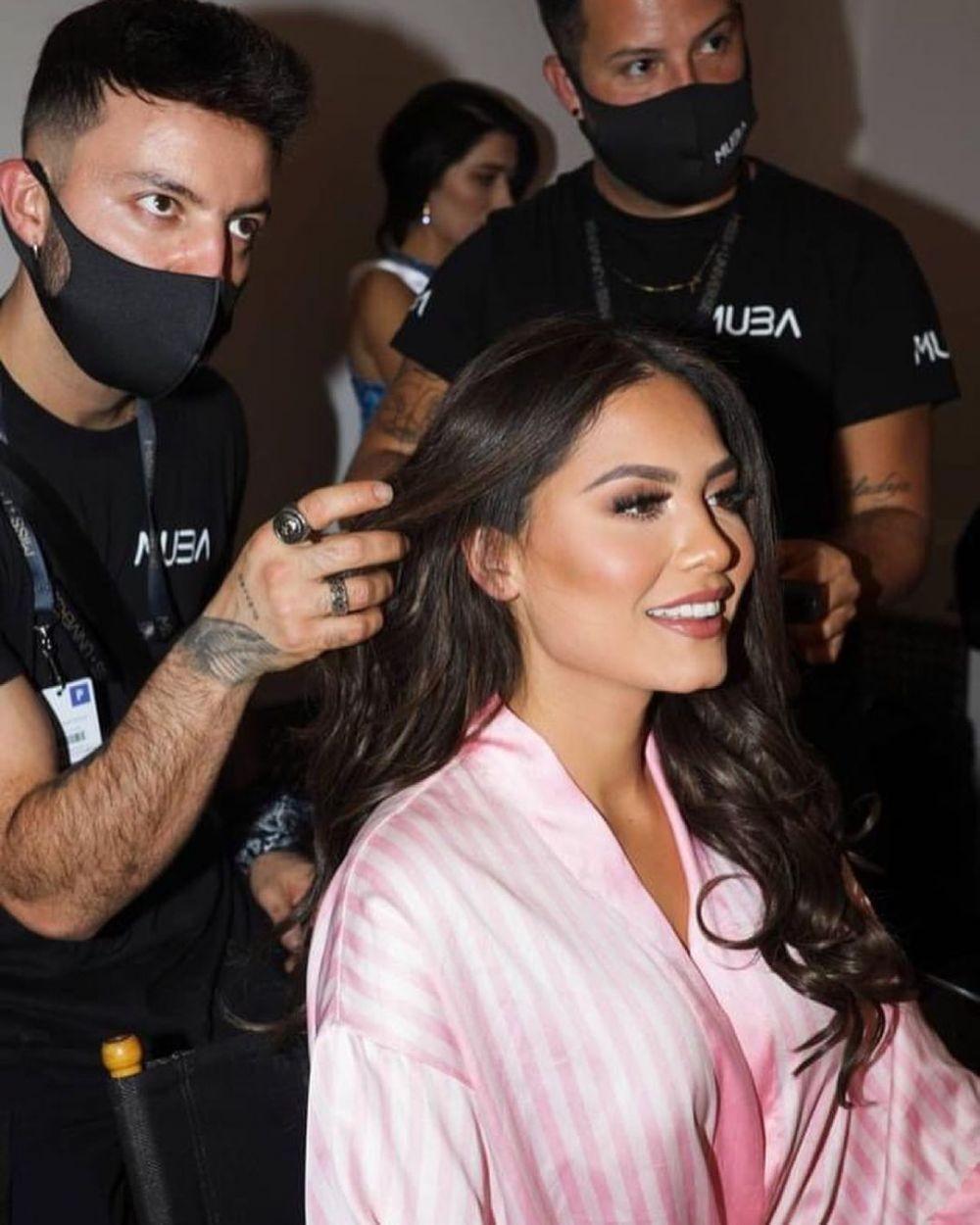 10 Potret Menawan Andrea Meza, Miss Universe 2020 dari Meksiko