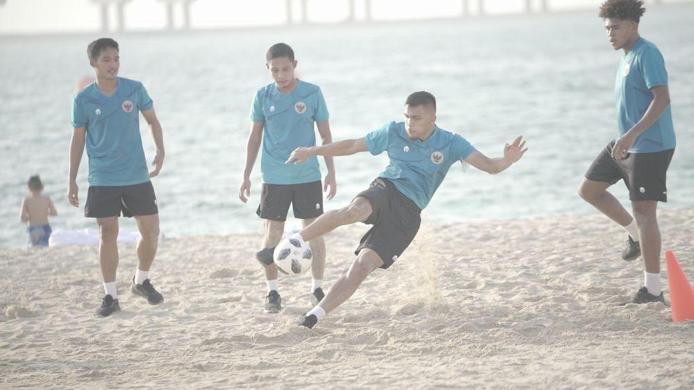 Tiba di Dubai, Shin Tae Yong Ajak Timnas Berlatih di Pantai