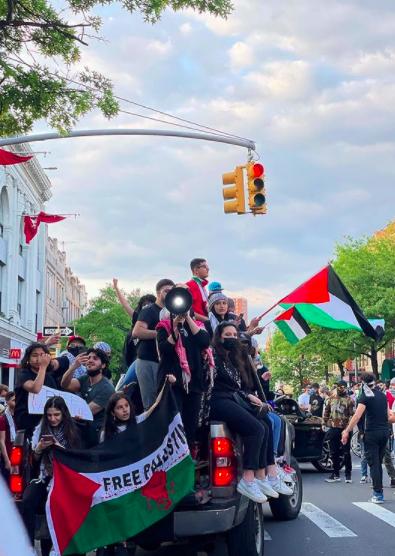 9 Sosok Bella Hadid, Model Dunia yang Ikut Aksi Bela Palestina