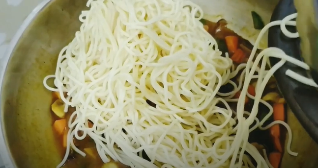 Resep Spageti Saus Kari, Makanan Khas Western dengan Sentuhan Lokal