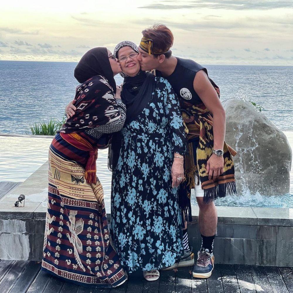 Mantu Idaman, 9 Potret Kedekatan Lesti Kejora dan Ibunda Rizky Billar