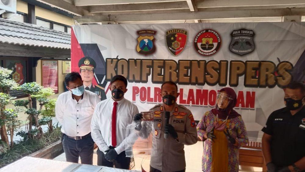 Kades di Lamongan Digrebek Polisi Saat Bermesraan dengan ART