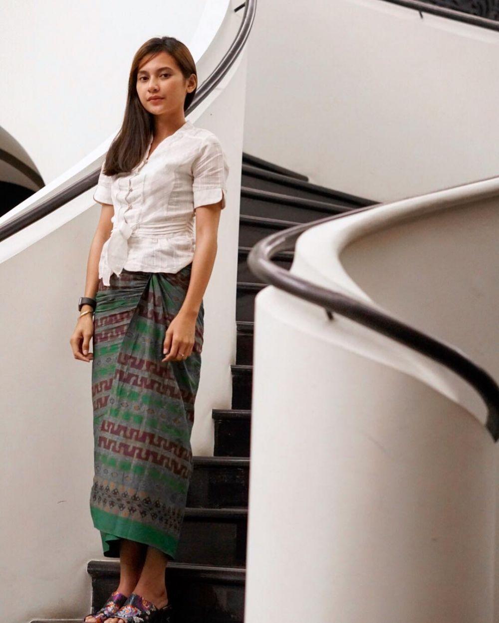 10 Referensi Kebaya Lengan Pendek untuk Kondangan, Chic nan Modern