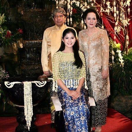 Anniversary ke-16, 10 Potret Lawas Pernikahan Annisa Pohan dan AHY