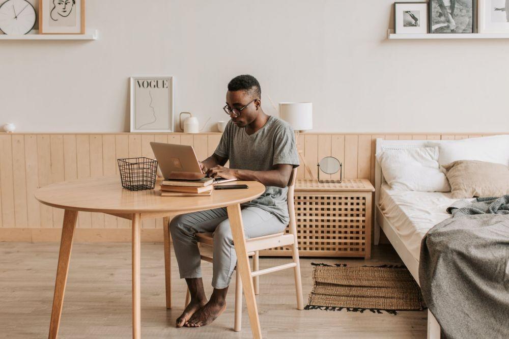 9 Cara Menata Ruang Kerja yang Nyaman Selama PPKM, WFH Makin Produktif