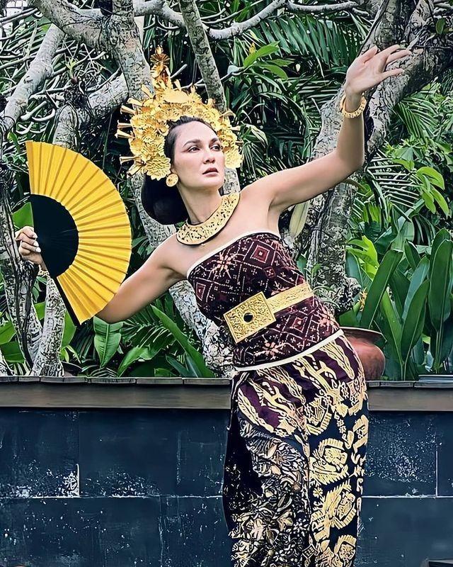 Bak Bangsawan, Ini Potret Luna Maya dengan Balutan Busana Khas Bali