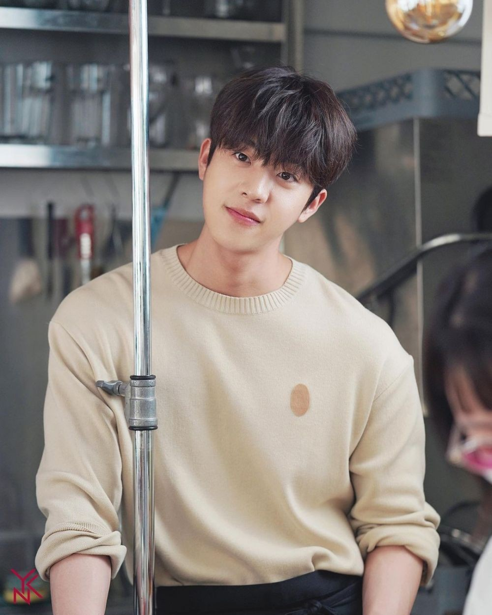 10 Adu Pesona Chae Jong Hyeop di Nevertheless Vs The Witch's Diner