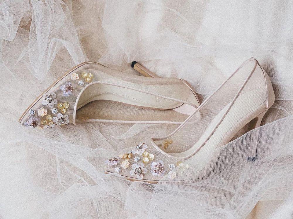 7 Rekomendasi Merek Sepatu Pengantin, Elegan untuk Nikah!