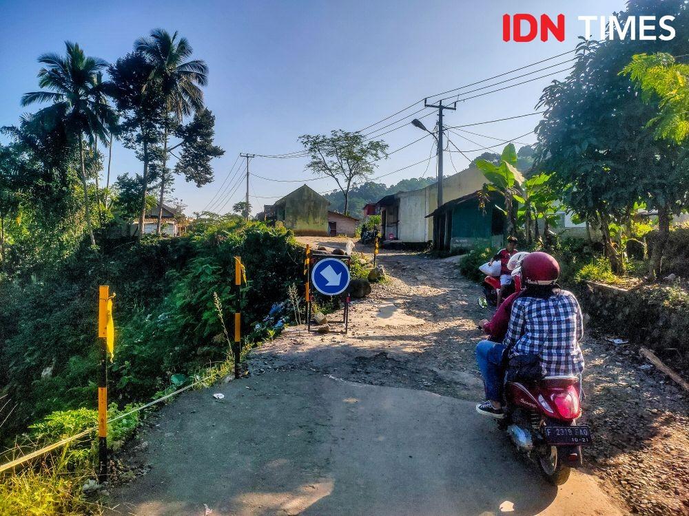 [FOTO] Kondisi Jalan Cipanas-Warung Banten Setahun Lebih Pasca Bencana