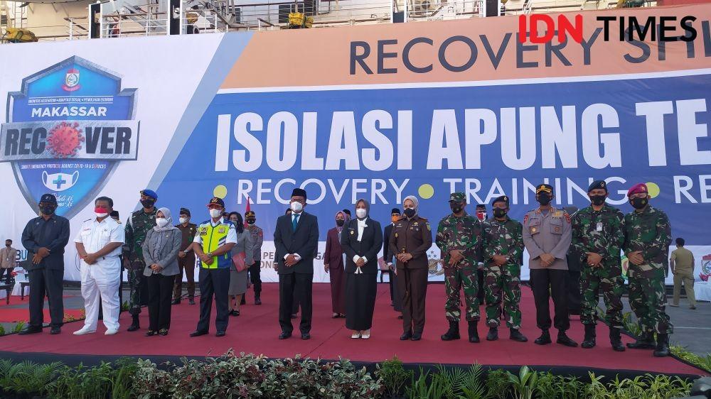 Wali Kota Makassar Lantik Pejabat di Dermaga Kapal Isolasi Apung