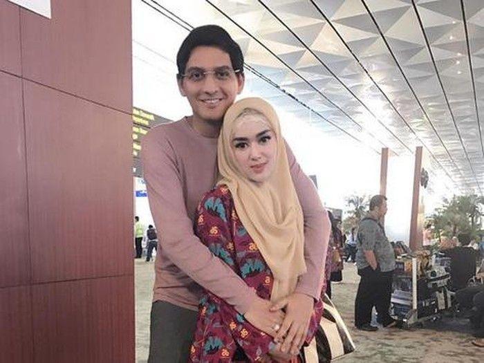 10Artis yang Pernikahannya Dibilang Settingan oleh Netizen, Beneran?