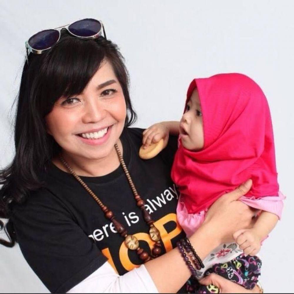 Cerita Valencia Mieke Randa Jadi Aktivis Sosial untuk Bantu Sesama