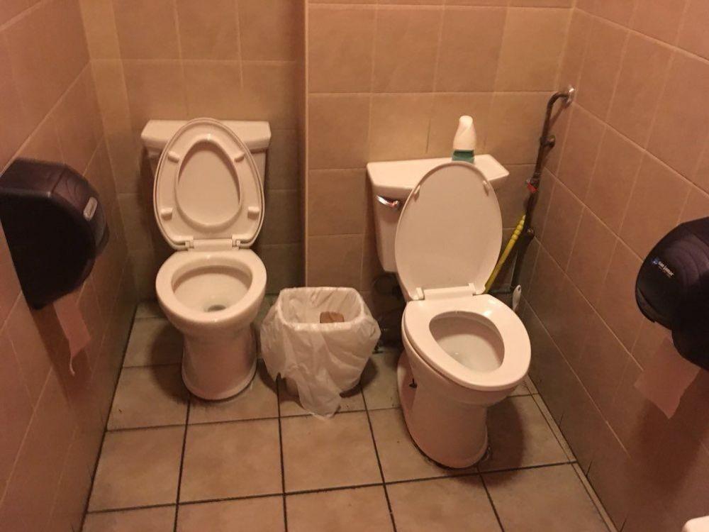 15 Desain Ngaco Toilet Ini Bikin Batal Buang Air, Seram Parah!