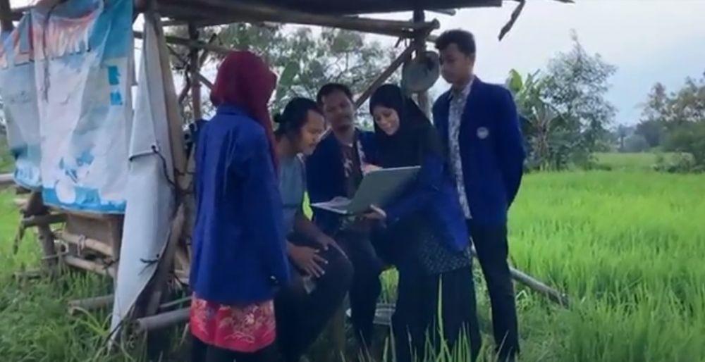 Mahasiswa UNY Bantu Petani, Ciptakan Alat Pengusir Burung Tenaga Surya