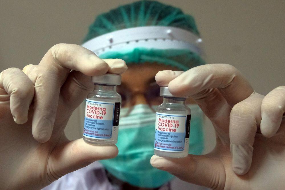 102.000 Nakes di Jabar Sudah Terima Vaksin Booster COVID-19