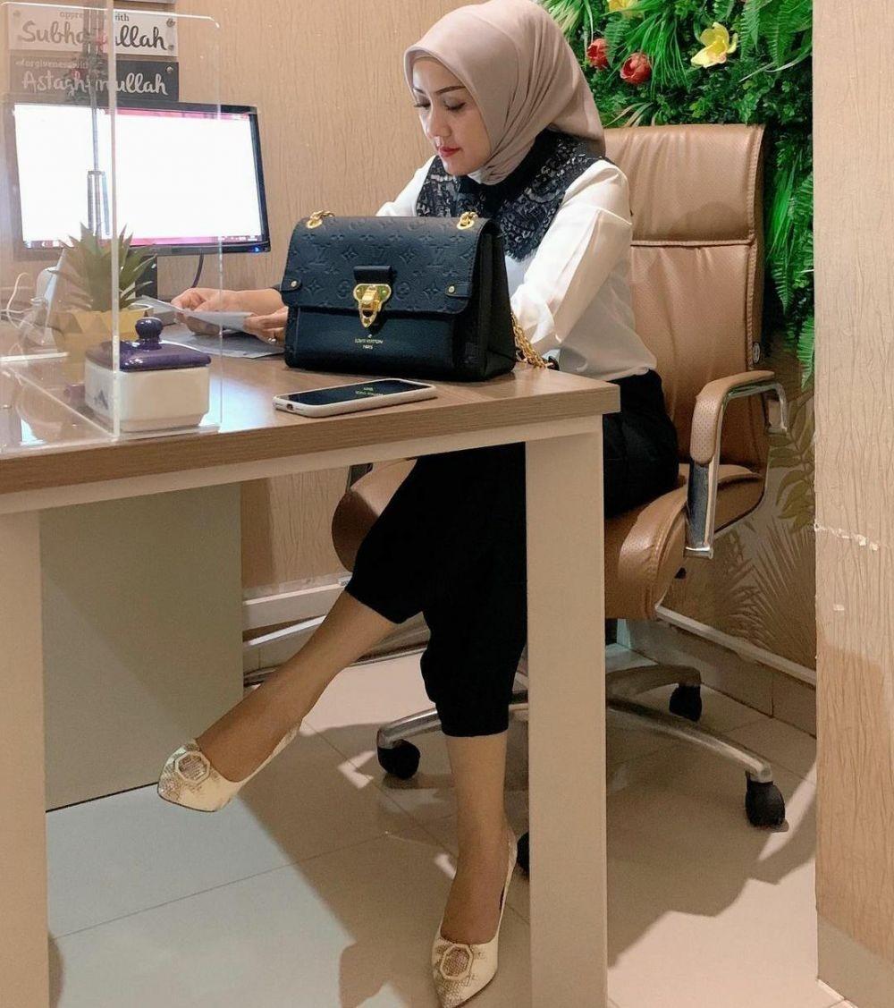 10 Pesona Dokter Kartika Yusuf yang Tekuni Bisnis Kecantikan di Medan