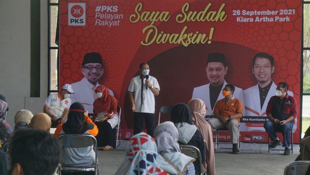 Kejar Herd Immunity, PKS Bantu Percepatan Vaksinasi 1.550 Warga Bandung
