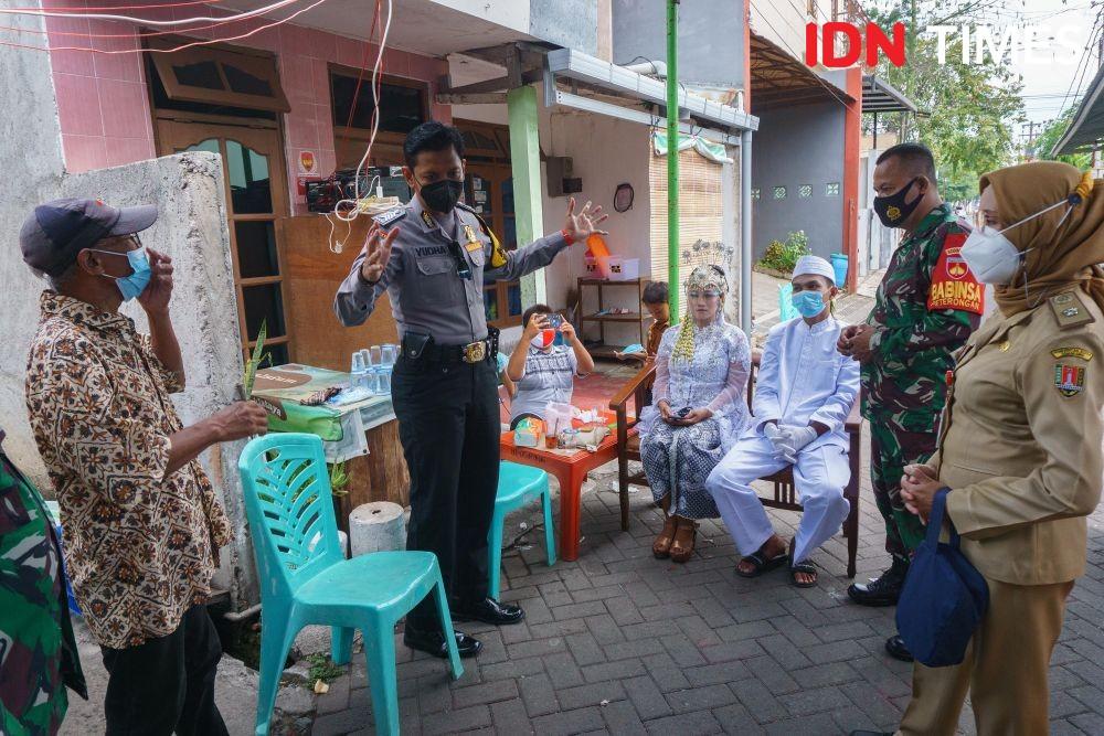 10 Potret Aksi Bhabin Millennial Semarang, Kreatif Ngonten COVID-19