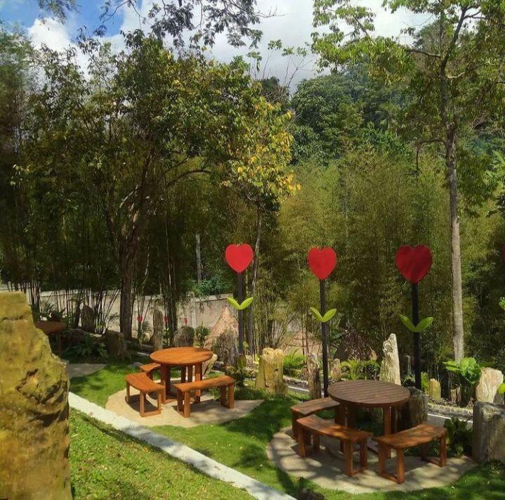 Lima Spot Foto Istagramable di Lembah Batu Heritage Bandar Lampung