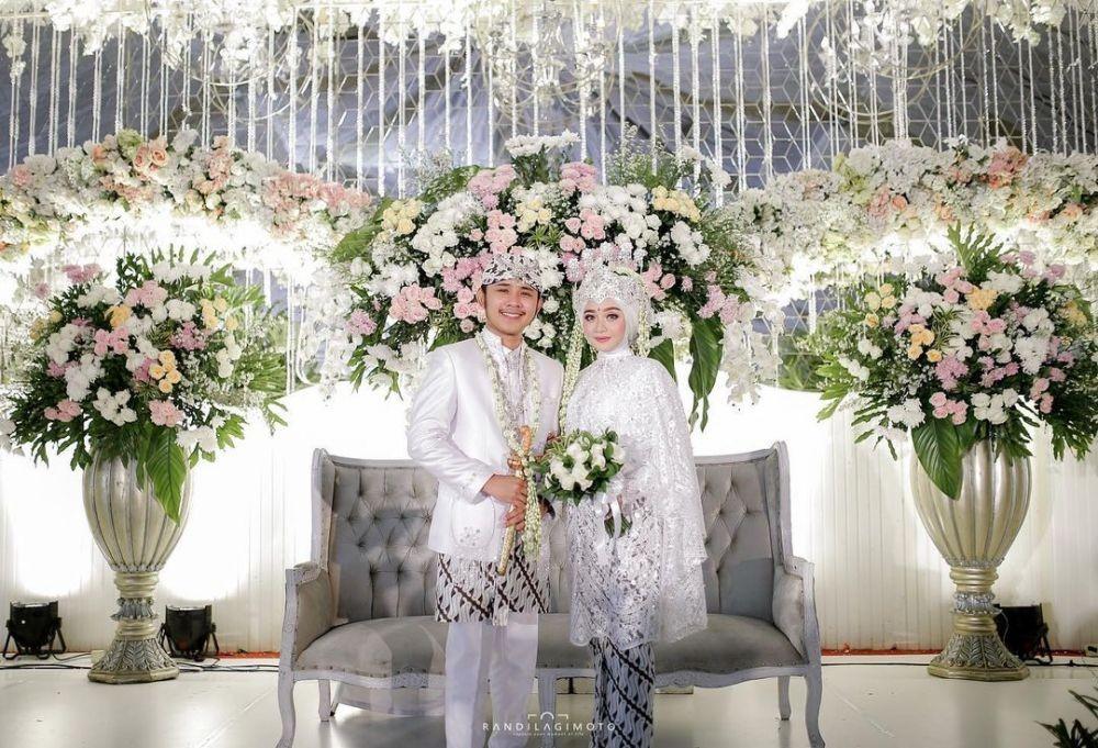 9 Ide Kebaya Pernikahan dari Penyanyi Dangdut Indonesia, On Point!