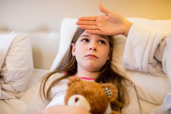 Demam Rematik: Penyebab, Gejala, Diagnosis, Pengobatan, Komplikasi